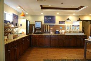Restaurant - Holiday Inn Express Hotel & Suites Cleveland