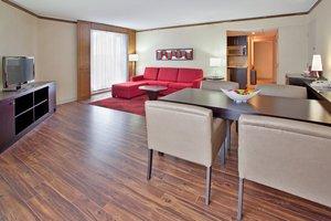 Suite - Crowne Plaza Hotel Gatineau