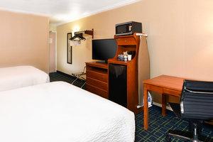 Room - Fairfield Inn by Marriott Ontario