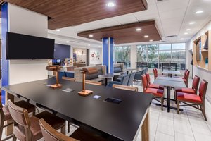 Restaurant - Holiday Inn Express Hotel & Suites Hammond