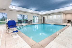 Pool - Holiday Inn Express Hotel & Suites Hammond