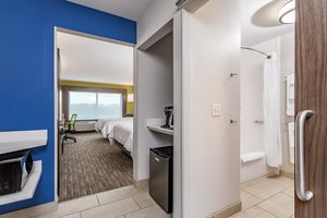 Room - Holiday Inn Express Hotel & Suites Hammond