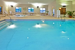 Pool - Holiday Inn Express Hotel & Suites Muskogee