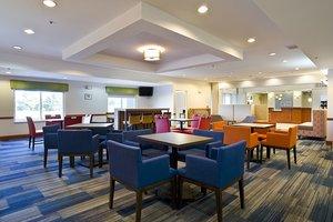 Restaurant - Holiday Inn Express Vermillion