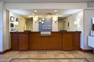 Lobby - Holiday Inn Express Vermillion