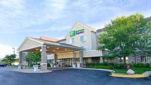 Exterior view - Holiday Inn Express Hotel & Suites Riverwoods