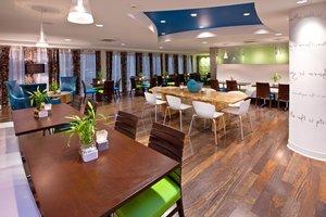 Restaurant - Holiday Inn Express Fishers