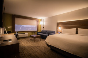 Suite - Holiday Inn Express Hotel & Suites Randolph