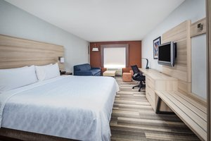 Suite - Holiday Inn Express Airport Ontario