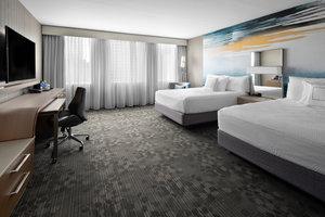 Room - Courtyard by Marriott Hotel Downtown Edmonton