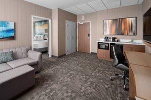 Suite - Courtyard by Marriott Hotel Downtown Edmonton