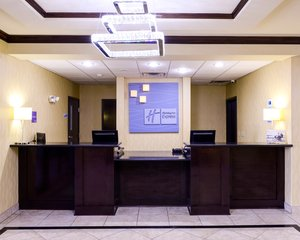 Lobby - Holiday Inn Express Hotel & Suites Eastland