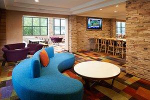 Lobby - Fairfield Inn by Marriott East Indianapolis