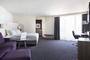 Room - Crowne Plaza Ravinia Hotel Atlanta