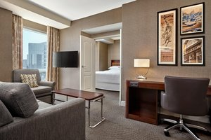 Suite - Sheraton Suites Eau Claire Calgary