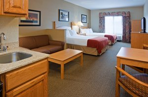 Suite - Holiday Inn Express Hotel & Suites Custer