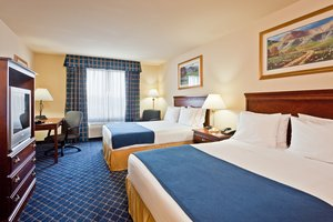 Room - Holiday Inn Express Hotel & Suites Paragould