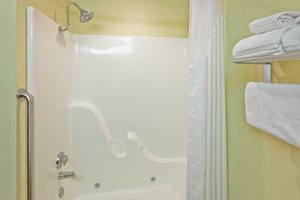 - Holiday Inn Express Hotel & Suites Paragould
