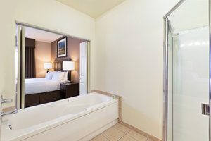 Suite - Holiday Inn Express Show Low