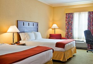 Suite - Holiday Inn Express Hotel & Suites Salado