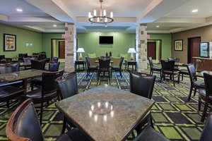 Restaurant - Holiday Inn Express Hotel & Suites Brady