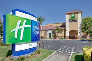 Exterior view - Holiday Inn Express Oakdale
