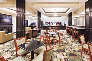 Restaurant - Holiday Inn Express Hotel & Suites Brownfield