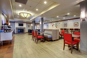 Lobby - Holiday Inn Express Brown Deer
