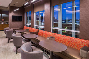 Restaurant - Springhill Suites by Marriott Airport Greensboro
