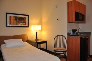Suite - Holiday Inn Express Hotel & Suites Prattville