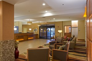 Lobby - Holiday Inn Express Hotel & Suites Prattville