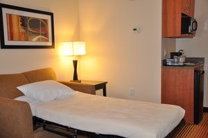 - Holiday Inn Express Hotel & Suites Prattville