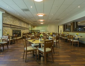 Restaurant - Holiday Inn Hotel & Conference Center Barrie