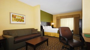 Suite - Holiday Inn Express Hotel & Suites Kittanning