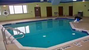Pool - Holiday Inn Express Hotel & Suites Kittanning