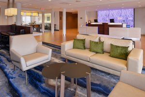Lobby - Fairfield Inn & Suites by Marriott Cedar Rapids