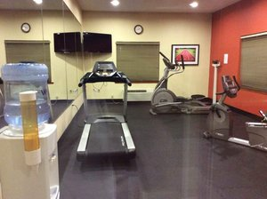 Fitness/ Exercise Room - Holiday Inn Express Hotel & Suites Forest