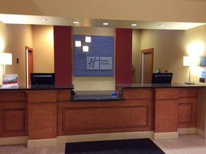 Lobby - Holiday Inn Express Hotel & Suites Forest