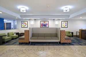 Lobby - Holiday Inn Express Hotel & Suites Brookings