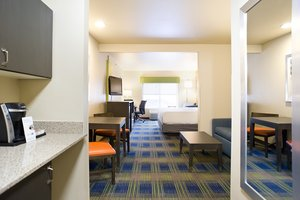 Suite - Holiday Inn Express Hotel & Suites Brookings