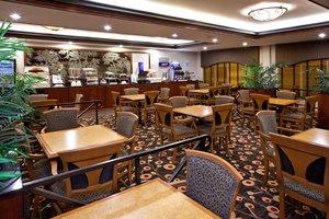 Restaurant - Holiday Inn Express Hotel & Suites Greenwood