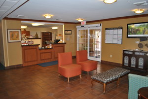 Lobby - Candlewood Suites Colonial Heights