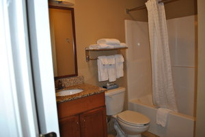 Room - Candlewood Suites Colonial Heights