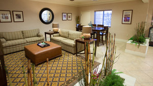 Lobby - Candlewood Suites South Springfield