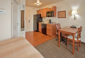 - Candlewood Suites South Springfield