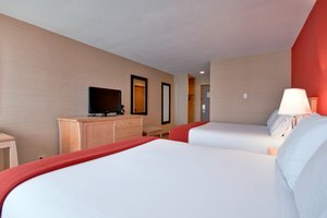 Room - Holiday Inn Express Hotel & Suites Chatham