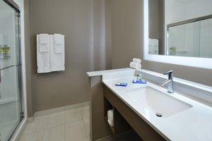 - Holiday Inn Express Hotel & Suites Northwest Frisco