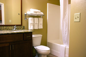 - Candlewood Suites Champaign