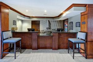 Lobby - Staybridge Suites East Louisville