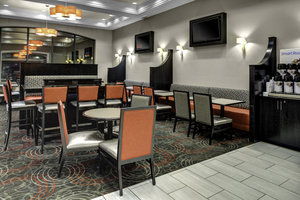 Restaurant - Holiday Inn Express Hotel & Suites Pittsburgh